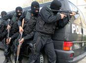 شلیک پلیس، سارق مسلح را به زانو درآورد